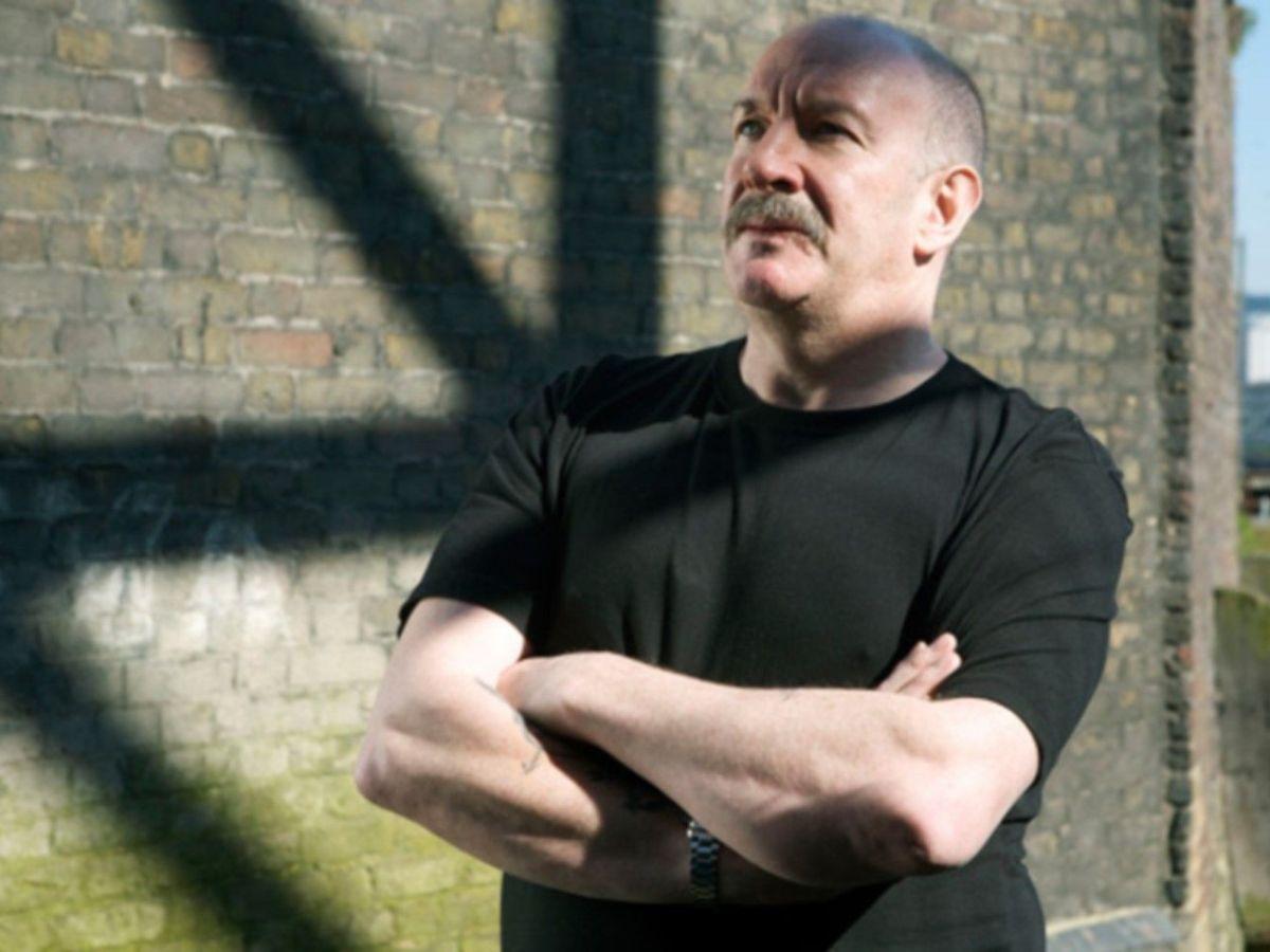Simon Day as Tony Beckton.