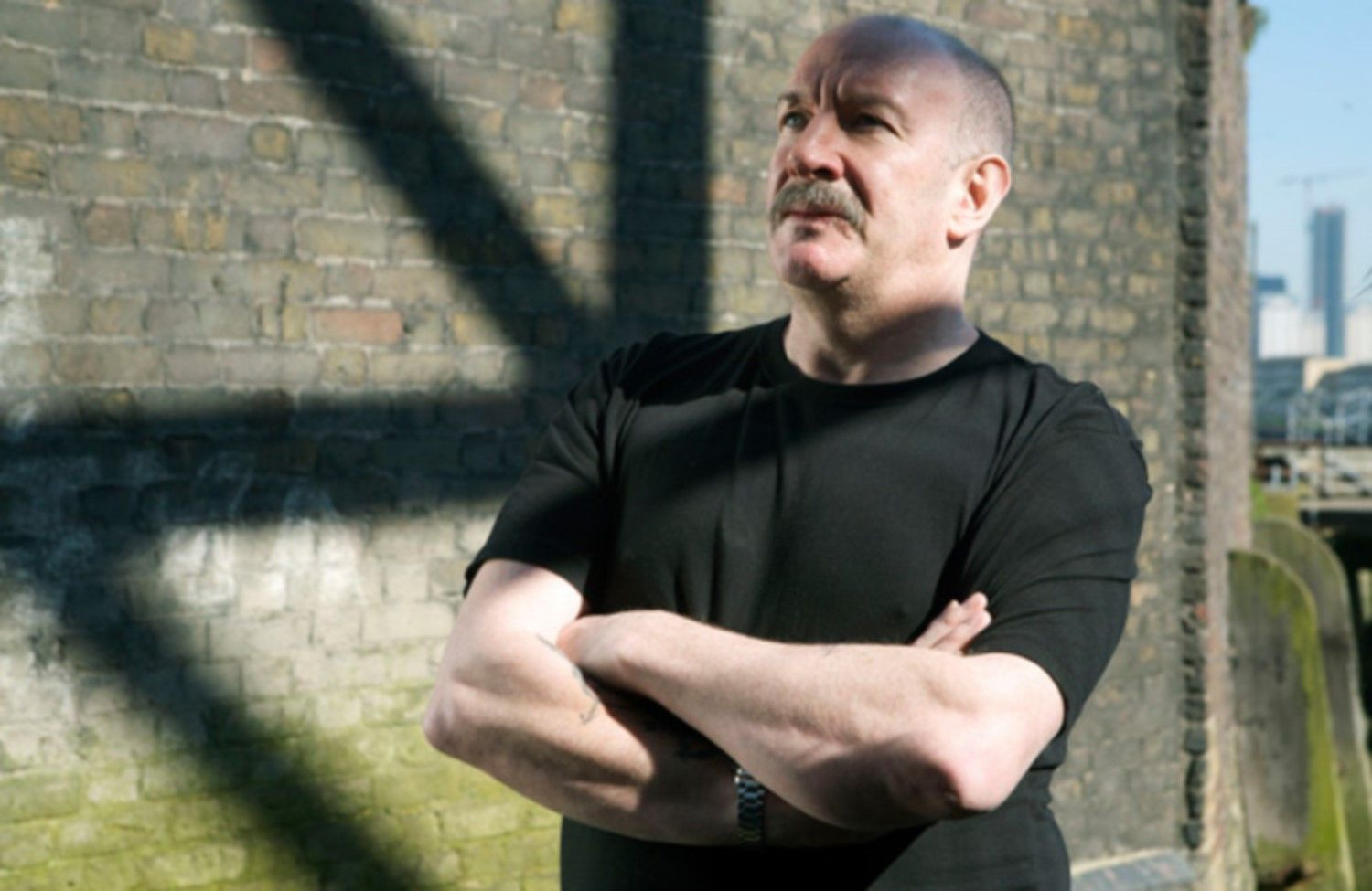 Simon Day as Tony Beckton.